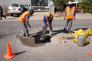 Matrex africa do it yourself 2 fill pothole with matrex cold patch to a level of 20mm above the hole solutioingenieria Images